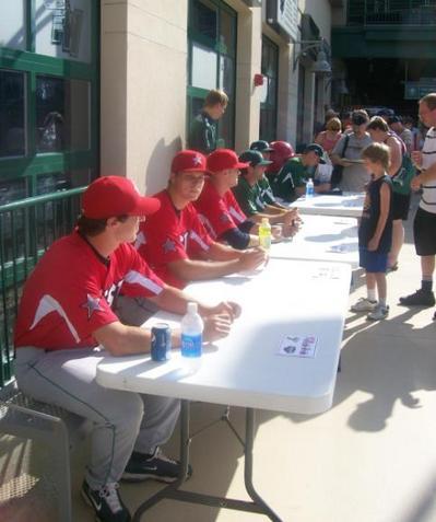 autograph line.jpg